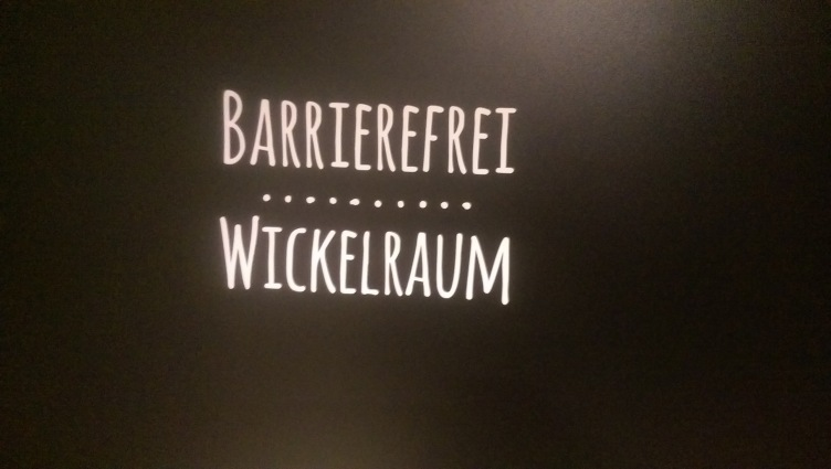 Wickelraum Kind in Koblenz Bäckerei Höfer