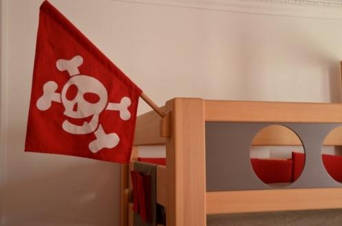 Piratenbett Kindermöbel Babybett Kinderzimmer Babyzimmer KindinKoblenz Romy Shopping Kind Koblenz