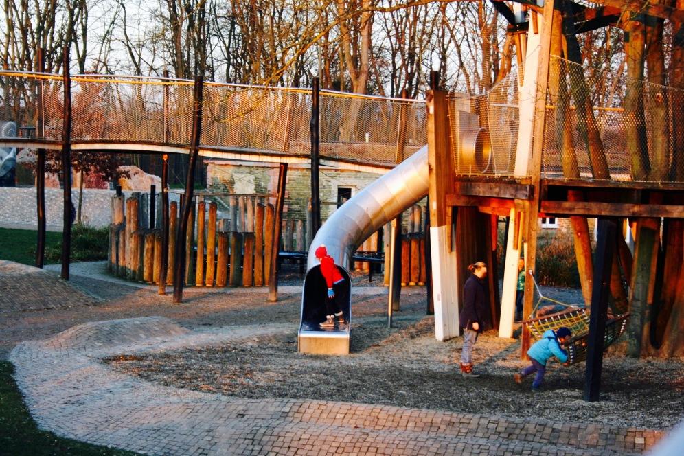 Spielplatz Ehrenbreitstein Kind in Koblenz